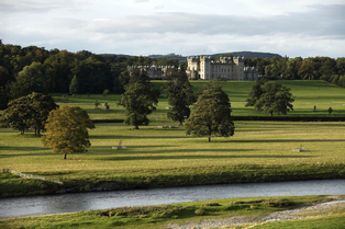 Floors Castle und River Tweed